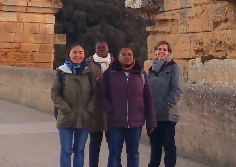 4 jeunes se preparent aux voeux perpetuels des petites soeurs de l'assomption