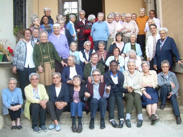 L'assemblée réuni les Petites Soeurs de l'Assomption d'Espagne et du Portugal pôur voir les priorités pour les deux ans à venir